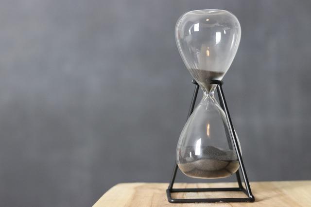hourglass-4666692_1920